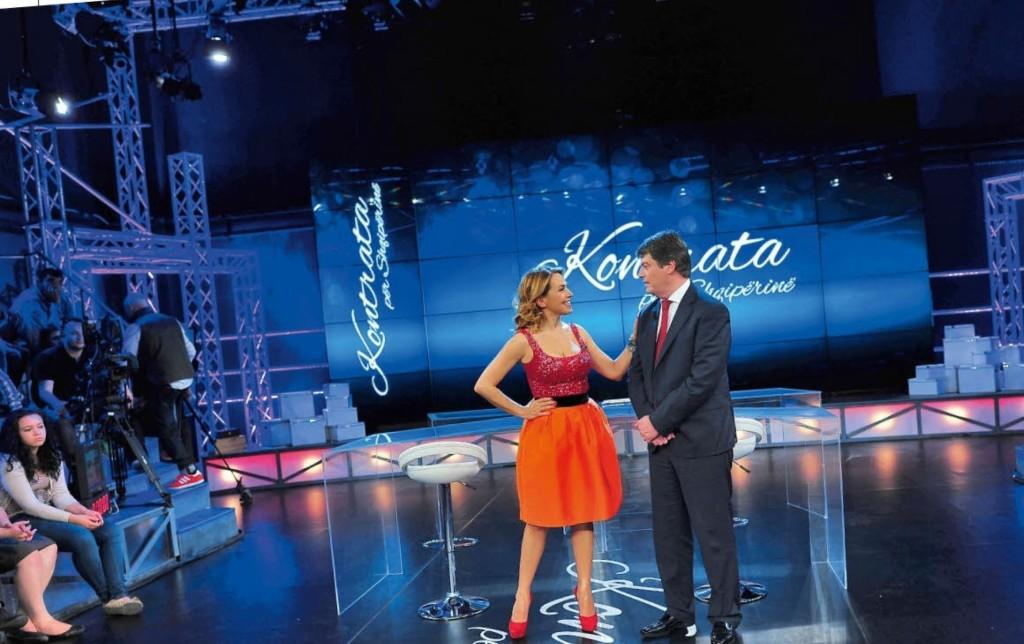 Barbara bnegli studi di Agon Channel con il candidato Topi - © Panorama